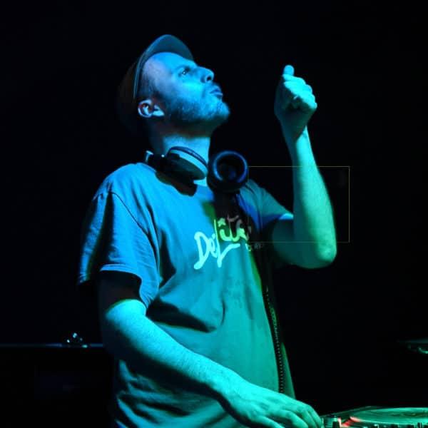 DJ FREAKISTAN  // SOIRÉE CLUB SOUS LA VERRIÈRE